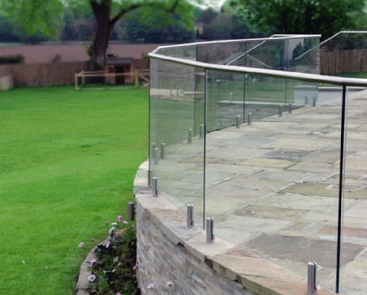 Balustrading:  Patios by Tech Glass and Aluminium, Modern Glass