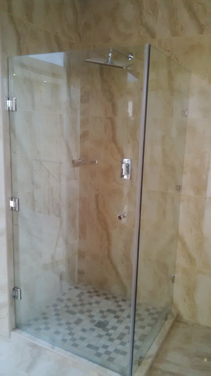 Our range of doors,windows,mirrors,showers,splash backs , etc… … .:  Bathroom by Tech Glass and Aluminium, Modern Glass