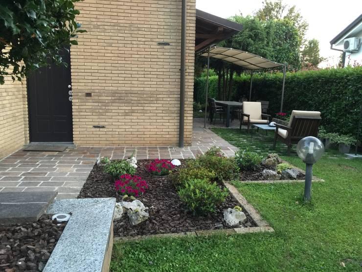Jardines de estilo  por Simona Carcano