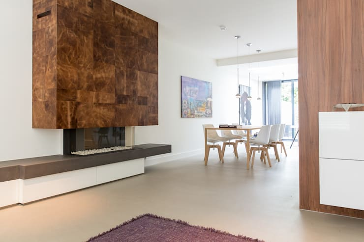Ruang Keluarga oleh B-TOO, Minimalis