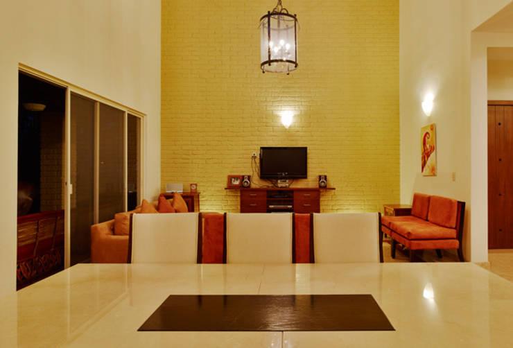 sala comedor: Comedores de estilo  por Excelencia en Diseño