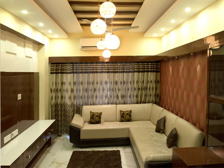 4 BHK in Bengaluru:  Living room by Cee Bee Design Studio
