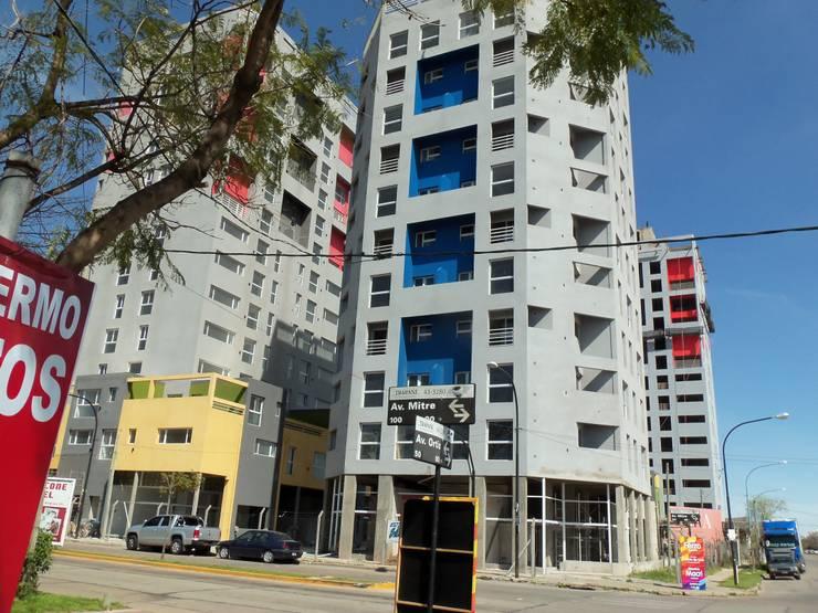 Esquina Av Avellaneda y Mitre:  de estilo  por Umbral Estudio Arquitectura