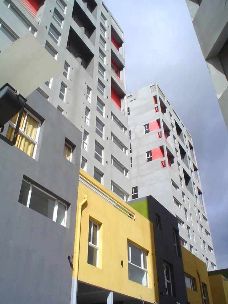 Complejo Habitacional Federacion :  de estilo  por Umbral Estudio Arquitectura