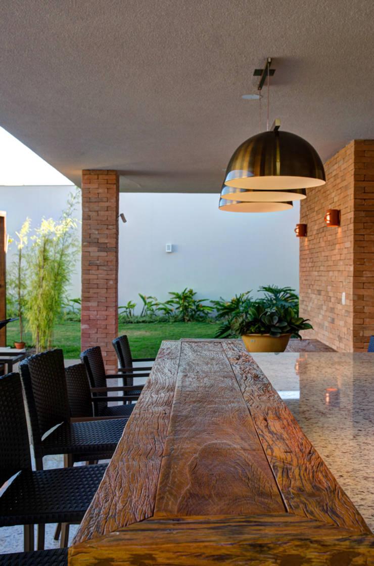 Balcon, Veranda & Terrasse modernes par BRAVIM ◘ RICCI ARQUITETURA Moderne