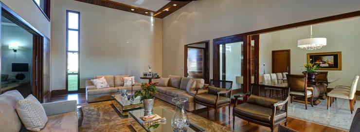 غرفة المعيشة تنفيذ BRAVIM ◘ RICCI ARQUITETURA