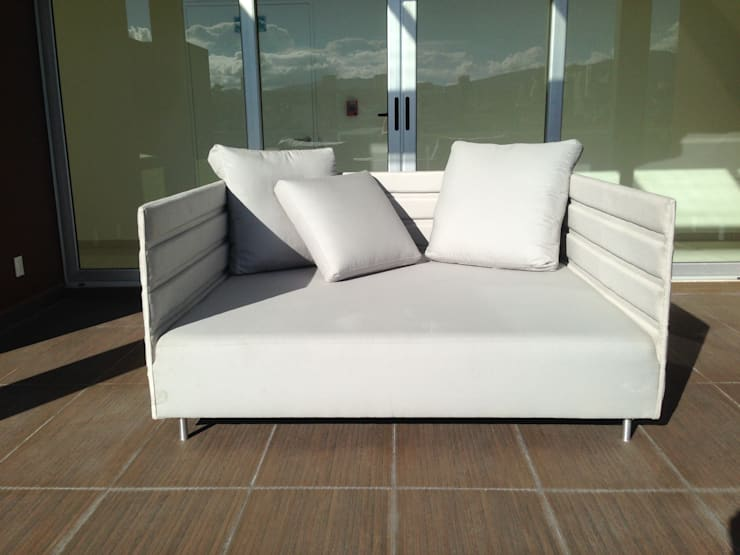 Sillón-cama para roof garden: Jardín de estilo  por DSeAl Muebles.