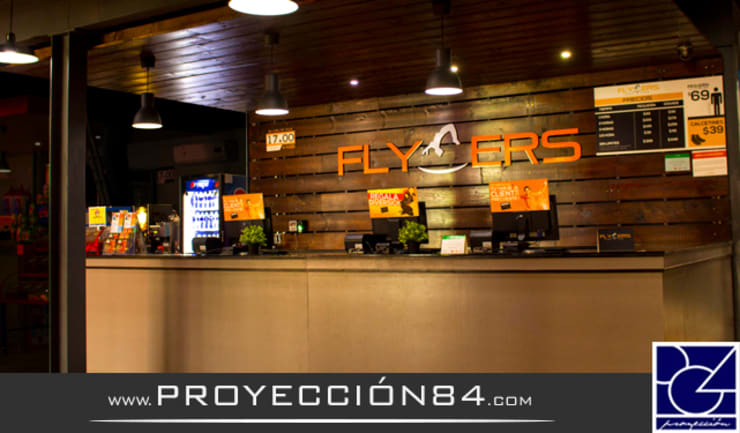 FLYERS: Salones para eventos de estilo  por PROYECCIÓN 84