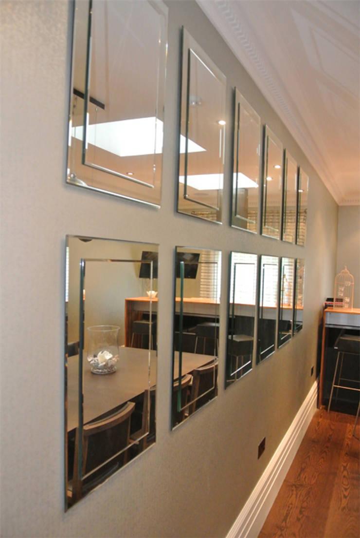 Mirrors :  Living room by Rethink Interiors Ltd