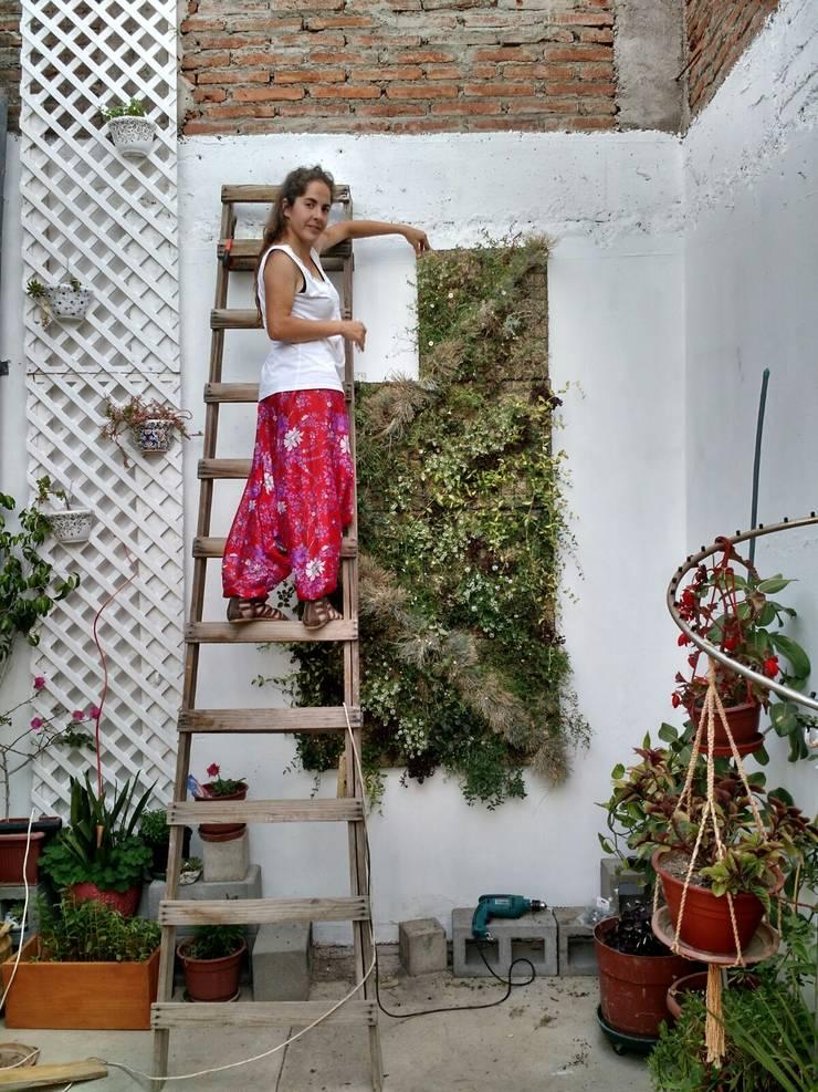 cuadros verdes: Balcones y terrazas de estilo  por MANUVERDE