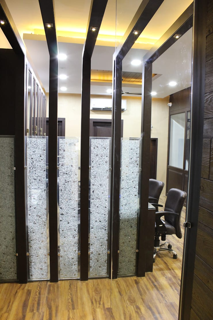 Advocate Office Indore:  Offices & stores by Shadab Anwari & Associates.