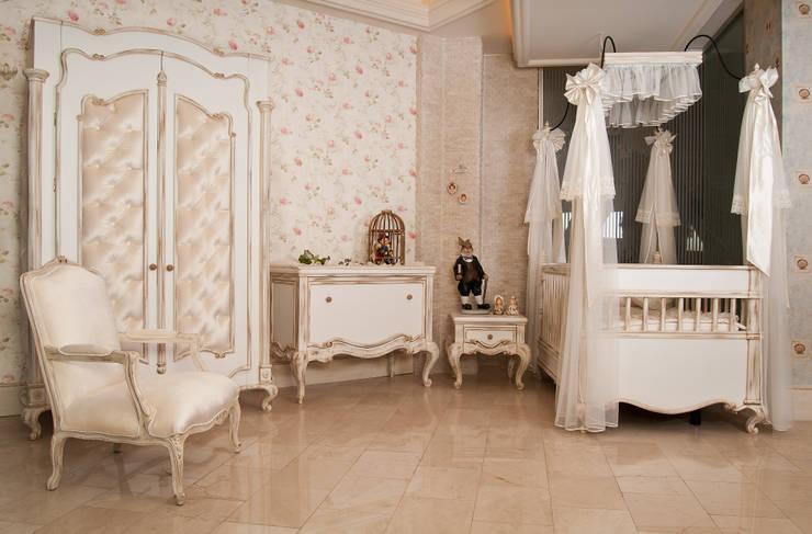 sage org.dan.tan.tur.tic.ltd.şti – prenses bebek odası:  tarz , Kırsal/Country Masif Ahşap Rengarenk