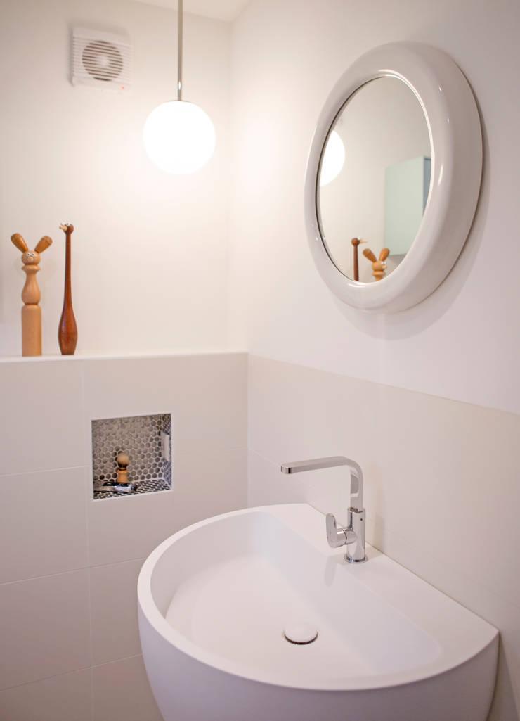 De badkamer :  Badkamer door IJzersterk interieurontwerp, Modern