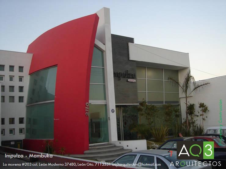 Impulza-Mambuka: Oficinas y tiendas de estilo  por AQ3 Arquitectos