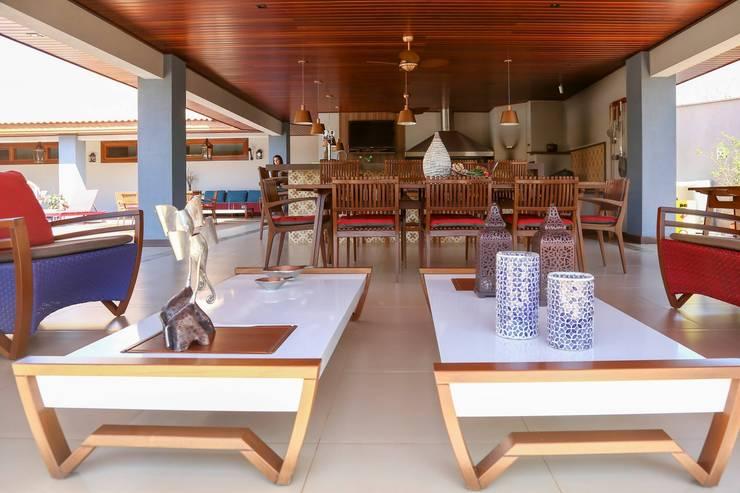 Terrazas de estilo  de Érica Pandolfo - arquitetura / interiores, Moderno