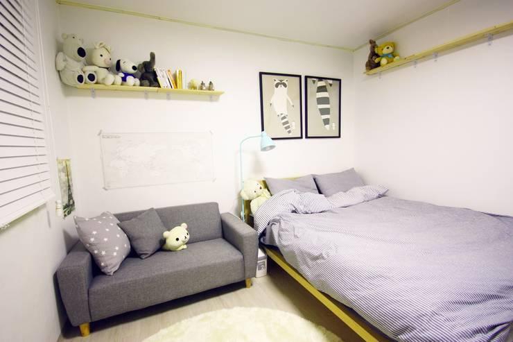 역삼동 투룸 싱글녀 홈스타일링 (Yeoksam homestyling): homelatte의  침실
