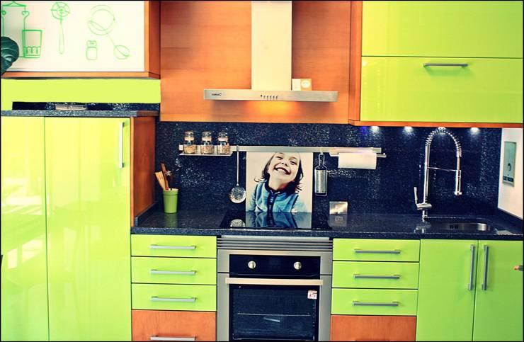 Cocinas de estilo  por Milar Lobo Estudio Cocinas