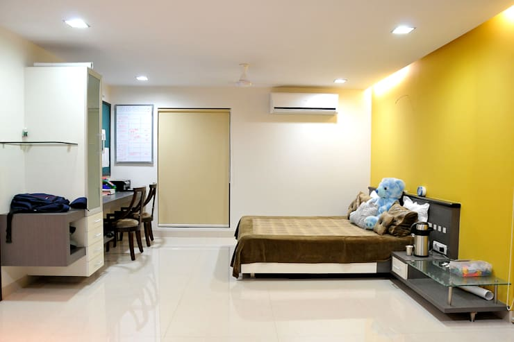 Dhiren Tharnani:  Bedroom by IMAGE N SHAPE