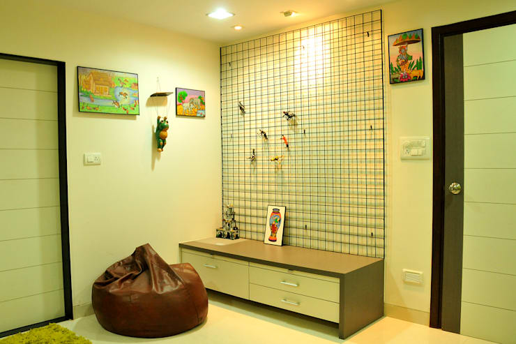 Dhiren Tharnani:  Bathroom by IMAGE N SHAPE