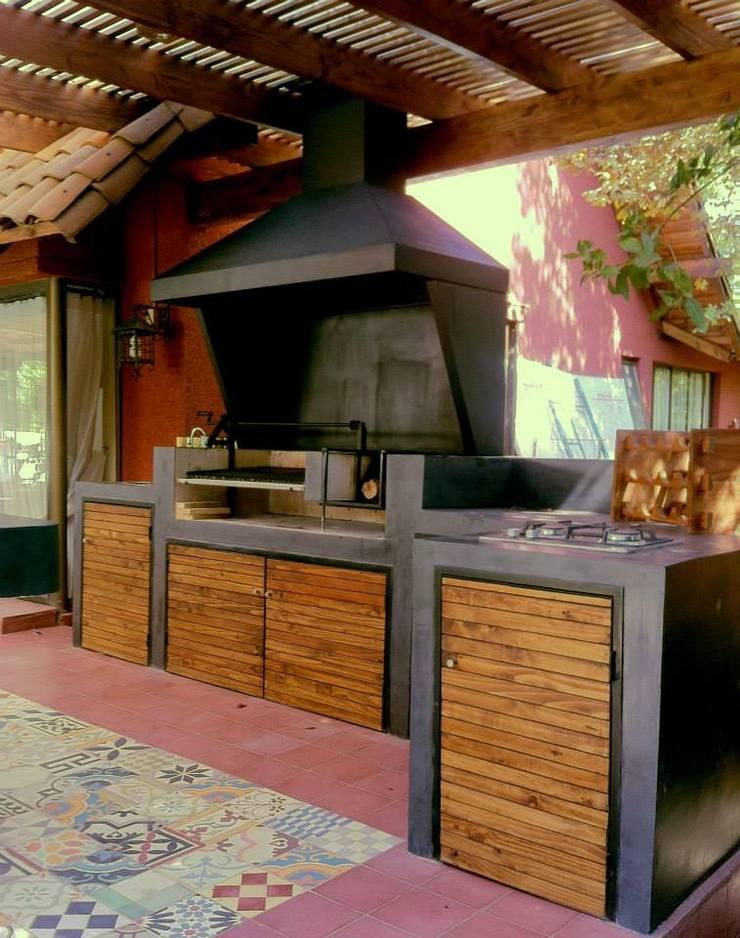 Kitchen by OBRAA QUINCHOS Y TERRAZAS, Modern