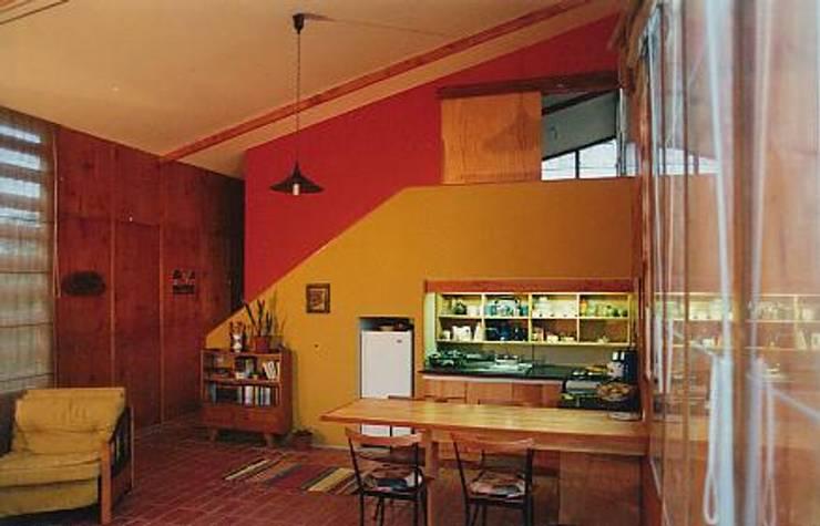 Casa Montealegre: Livings de estilo  por pacific architecture chile