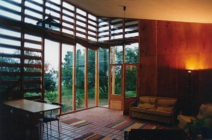 Casa Montealegre: Terrazas de estilo  por pacific architecture chile
