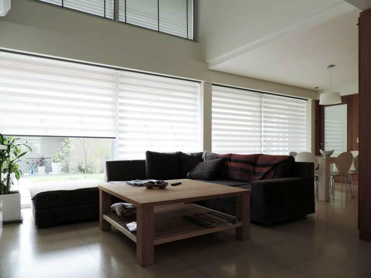 غرفة المعيشة تنفيذ Pablo Langellotti Arquitectura
