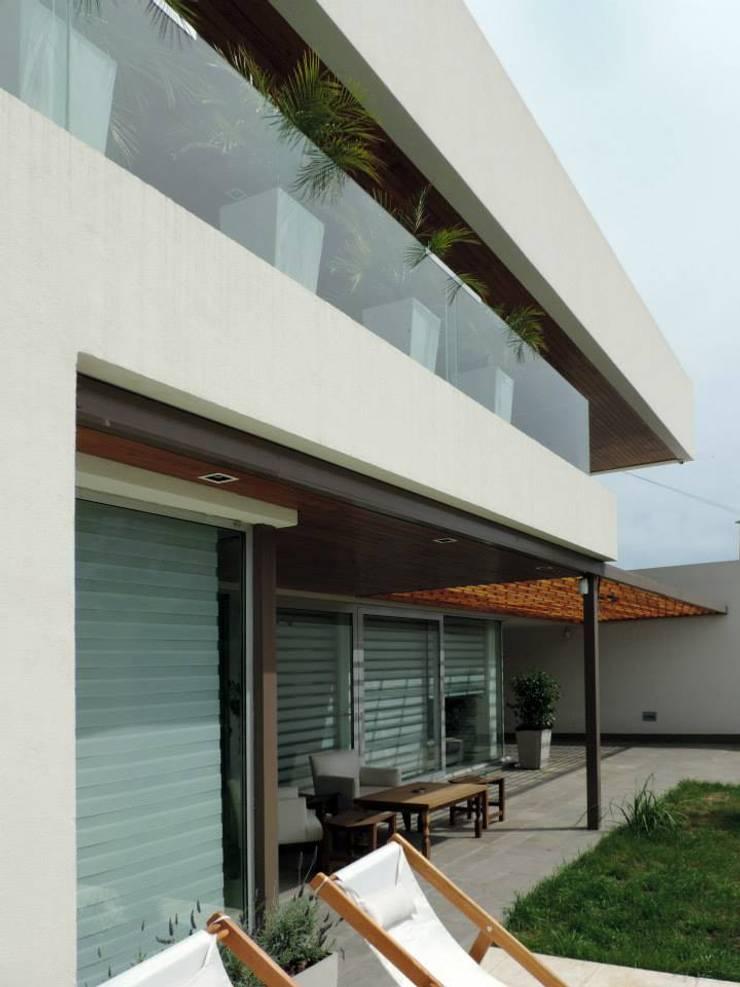 Casa Pueyrredon: Casas de estilo  por Pablo Langellotti Arquitectura,Moderno