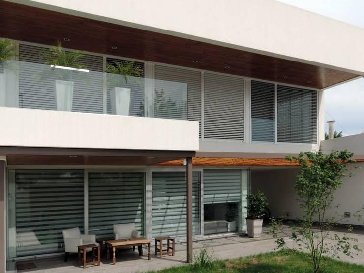 منازل تنفيذ Pablo Langellotti Arquitectura