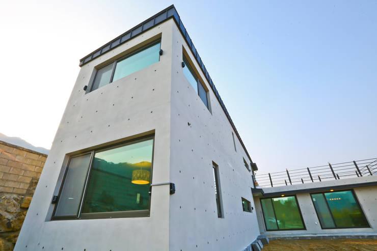 우리가 어떤 집을 짓는지 사진으로 얘기할께요 : 한글주택(주)의  주택