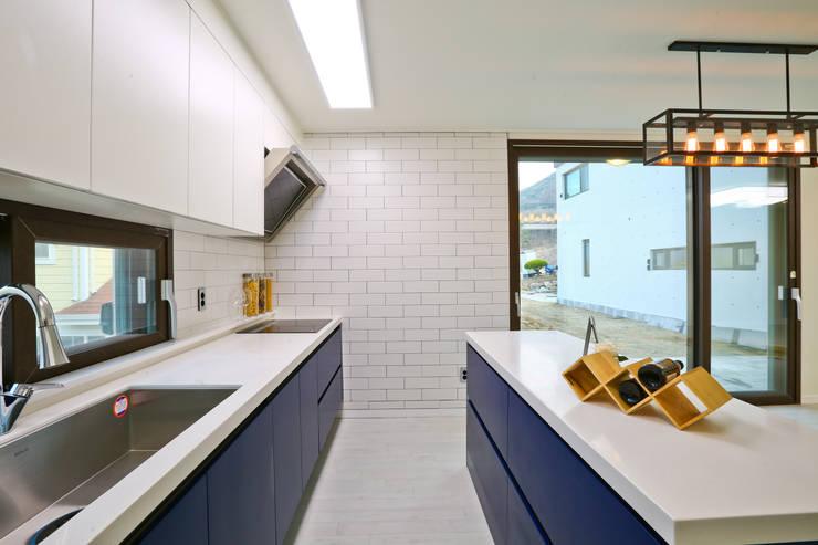우리가 어떤 집을 짓는지 사진으로 얘기할께요 : 한글주택(주)의  주방