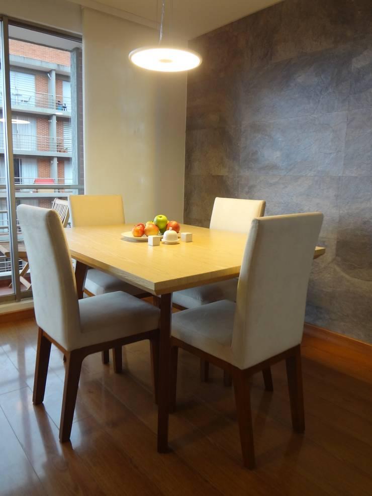 Apartamento Alcaparros Montanar: Comedores de estilo  por John Robles Arquitectos, Moderno
