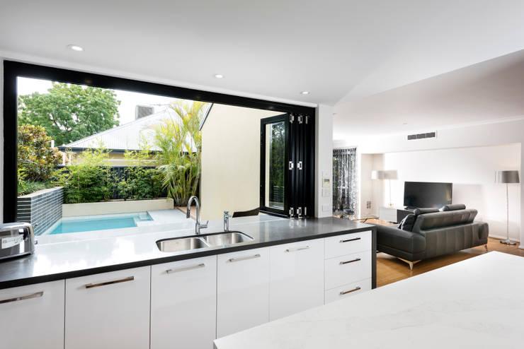 modern Kitchen by Moda Interiors