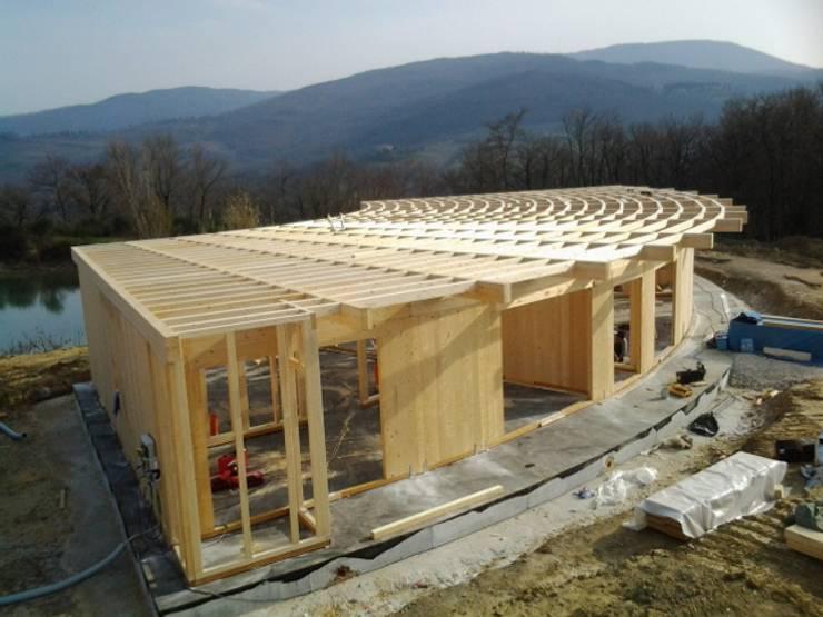 Projekty,  Domy zaprojektowane przez Technowood srl