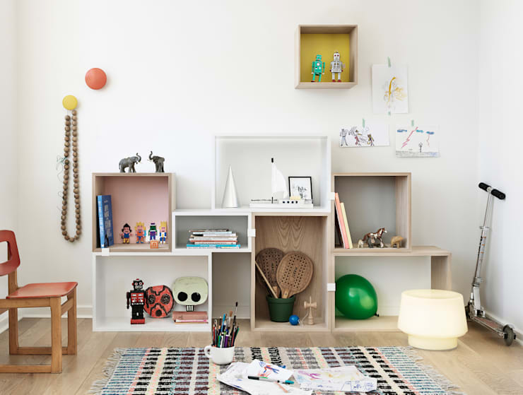 classic Nursery/kid's room by Connox