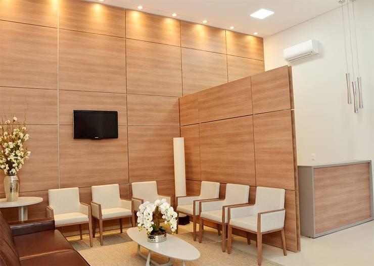 Кабинеты врачей в . Автор – Érica Pandolfo - arquitetura / interiores, Модерн