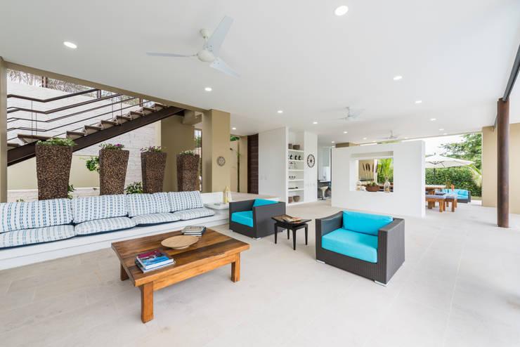 Livings de estilo minimalista por David Macias Arquitectura & Urbanismo
