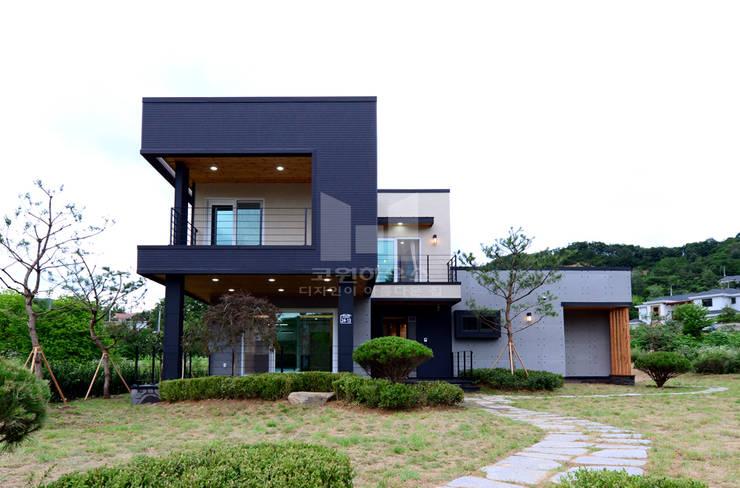 고급모던주택 정면: 코원하우스의  정원