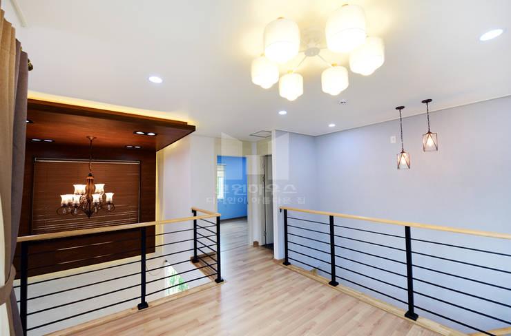 2층 다이닝룸: 코원하우스의  다이닝 룸