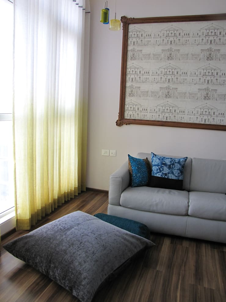 Intriguing Ikats:  Media room by TUNI Interiors Pvt. Ltd. ,Asian
