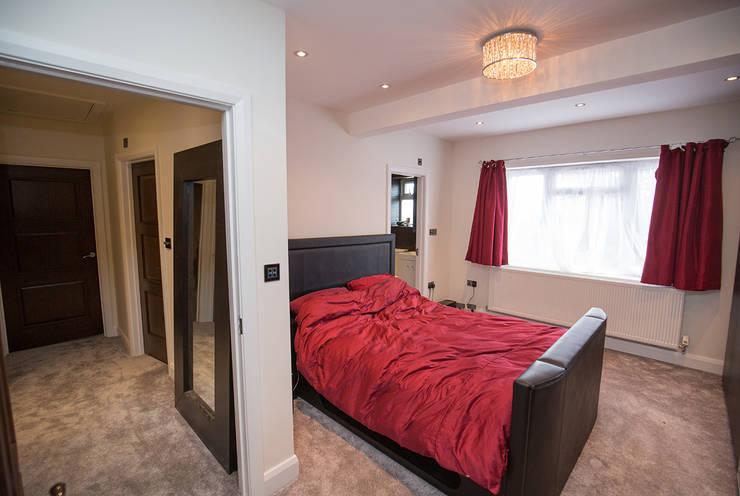 Camera da letto in stile  di The Market Design & Build