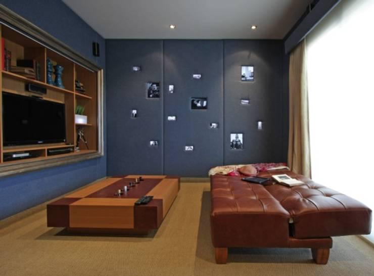 Refugio para la Pareja dentro de una Casa: Estudios y oficinas de estilo  por Xime Russo Interiores ,