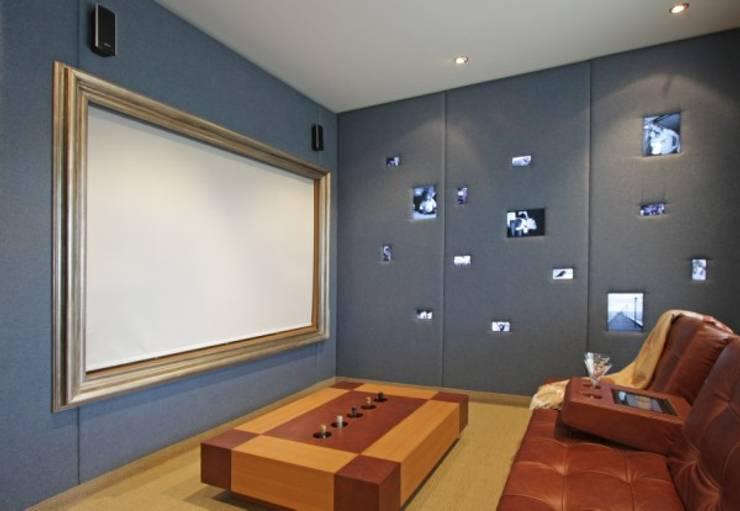 Refugio para la Pareja dentro de una Casa: Dormitorios de estilo  por Xime Russo Interiores ,