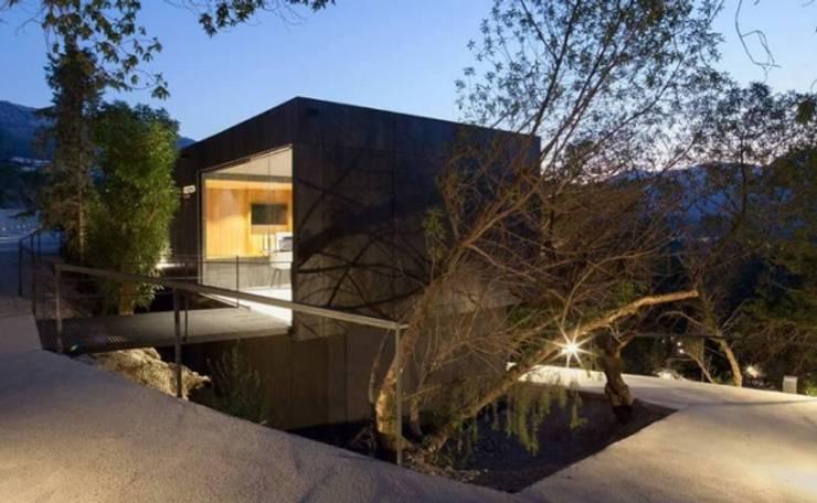 SARGRUP İNŞAAT VE ENERJİ LTD.ŞTİ. – VIVOOD Landscape Hotel:  tarz Evler, Minimalist Orta Yoğunlukta Lifli Levha