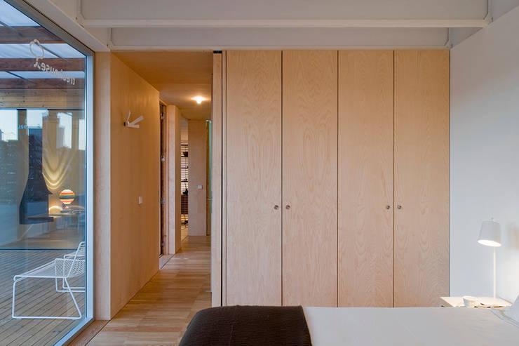 Treehouse: Quartos minimalistas por Jular Madeiras