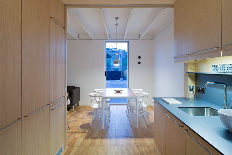 Treehouse: Cozinhas minimalistas por Jular Madeiras