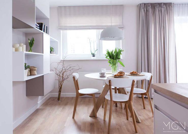 Comedores de estilo  por MGN Pracownia Architektoniczna