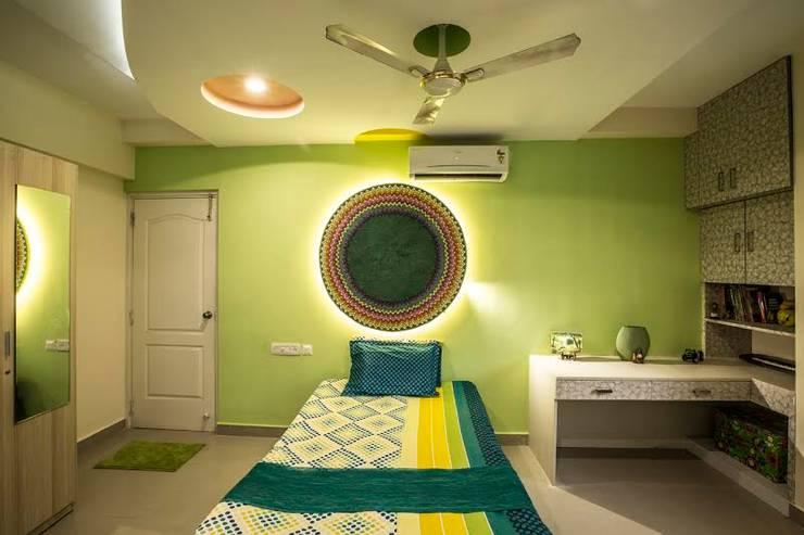 Ezhilagam:  Bedroom by Spacestudiochennai,Modern