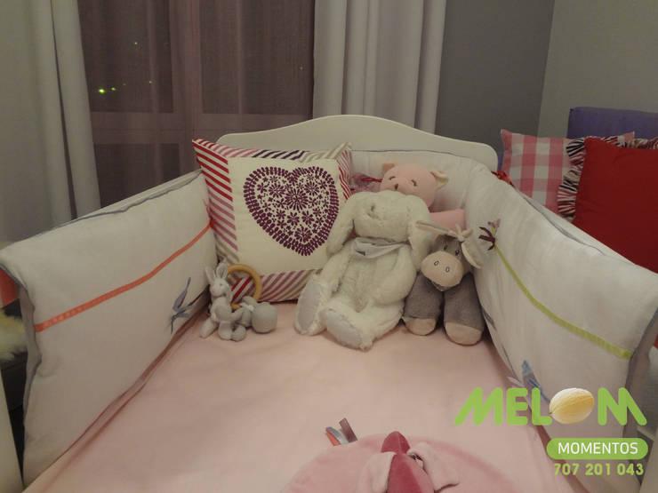 Quarto de bébé: Quarto  por MELOM Momentos