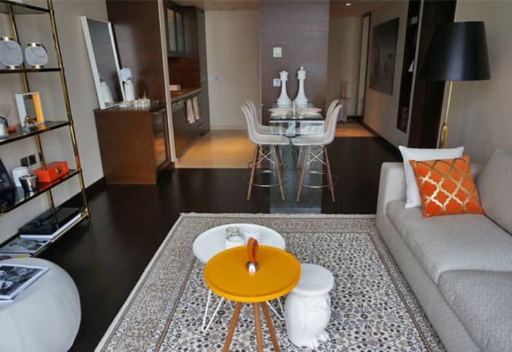 Appartement Dubai:  Woonkamer door By Lenny